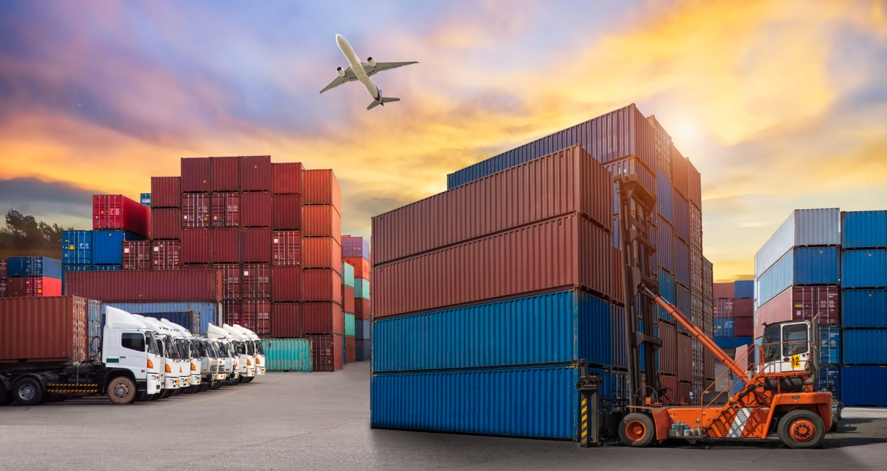 International freight solutions - vans and shipping containers