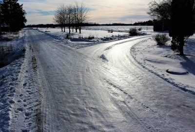 HGV Safety Tips for HGV Drivers - photo of a winter road